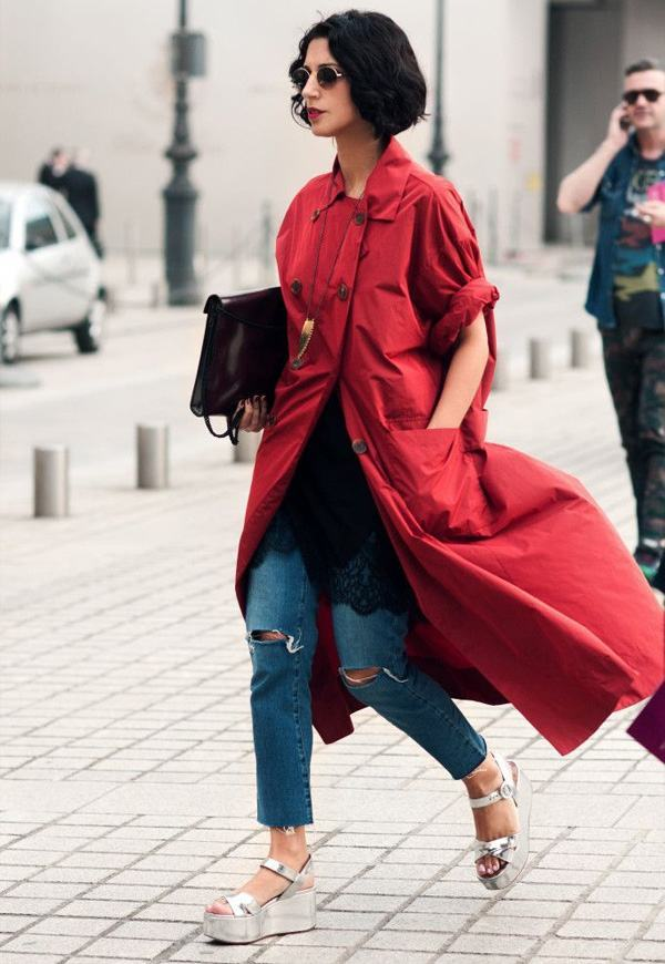 yasmin-sewell-street-style-flatform-destroyed-jeans-coat