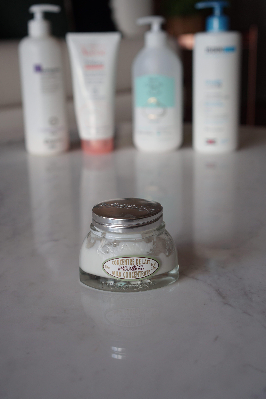 Leite Hidratante Firmador de Amêndoa – L Occitane  Pensem em um produto que  eu estou apaixonada! Esse leite hidratante da L Occitane é tipo dois em um   ele ... d400752b13a40